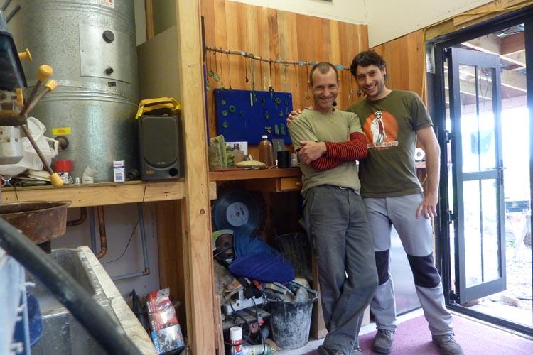 Tallando jade con Hamish en Nueva Zelanda