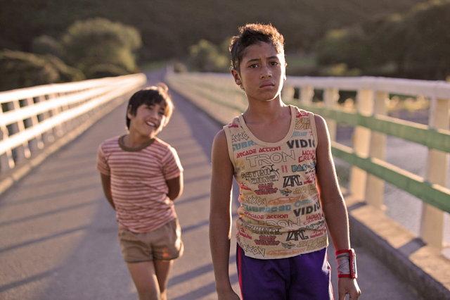 Boy y Rocky en el puente