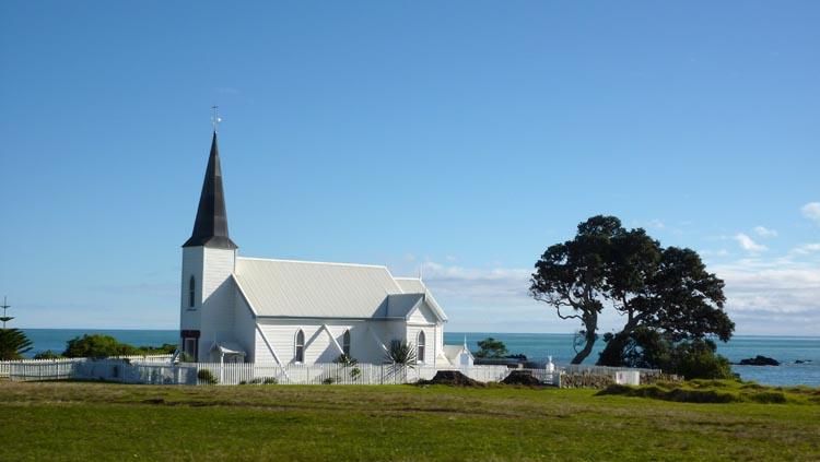 Iglesia Raukokore en Papatea Bay, Nueva Zelanda