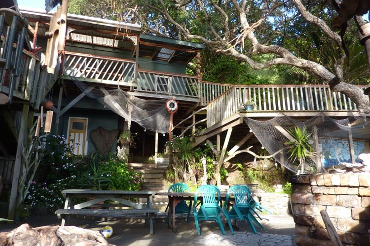 Fachada de la casa árbol de Nueva Zelanda