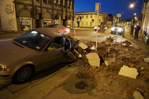 Coche destrozado en Christchurch