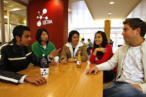 Estudiantes en una academia de inglés en Nueva Zelanda