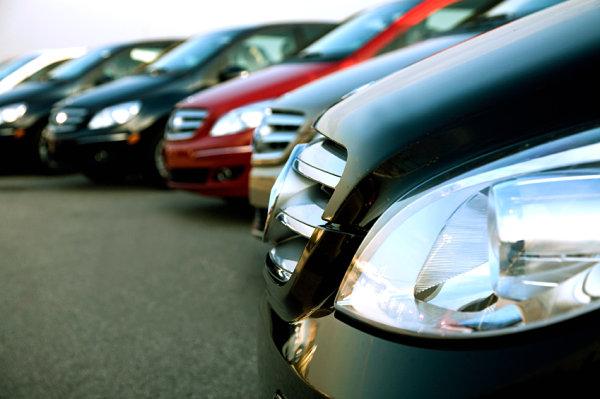 No se sigue el mismo procedimiento entre los coches nuevos y los usados