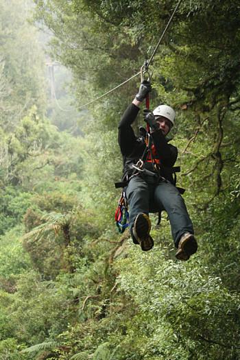 La tirolina más larga del Canopy Tour de Rotorua tiene 220 metros