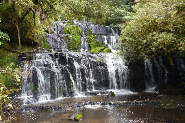 Las cascadas de Purakaunui falls son uno de los lugares que aparecen en el timelapse de Nueva Zelanda