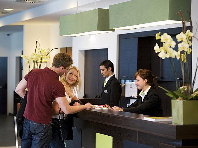 Trabajar de recepcionista de hotel en Queenstown